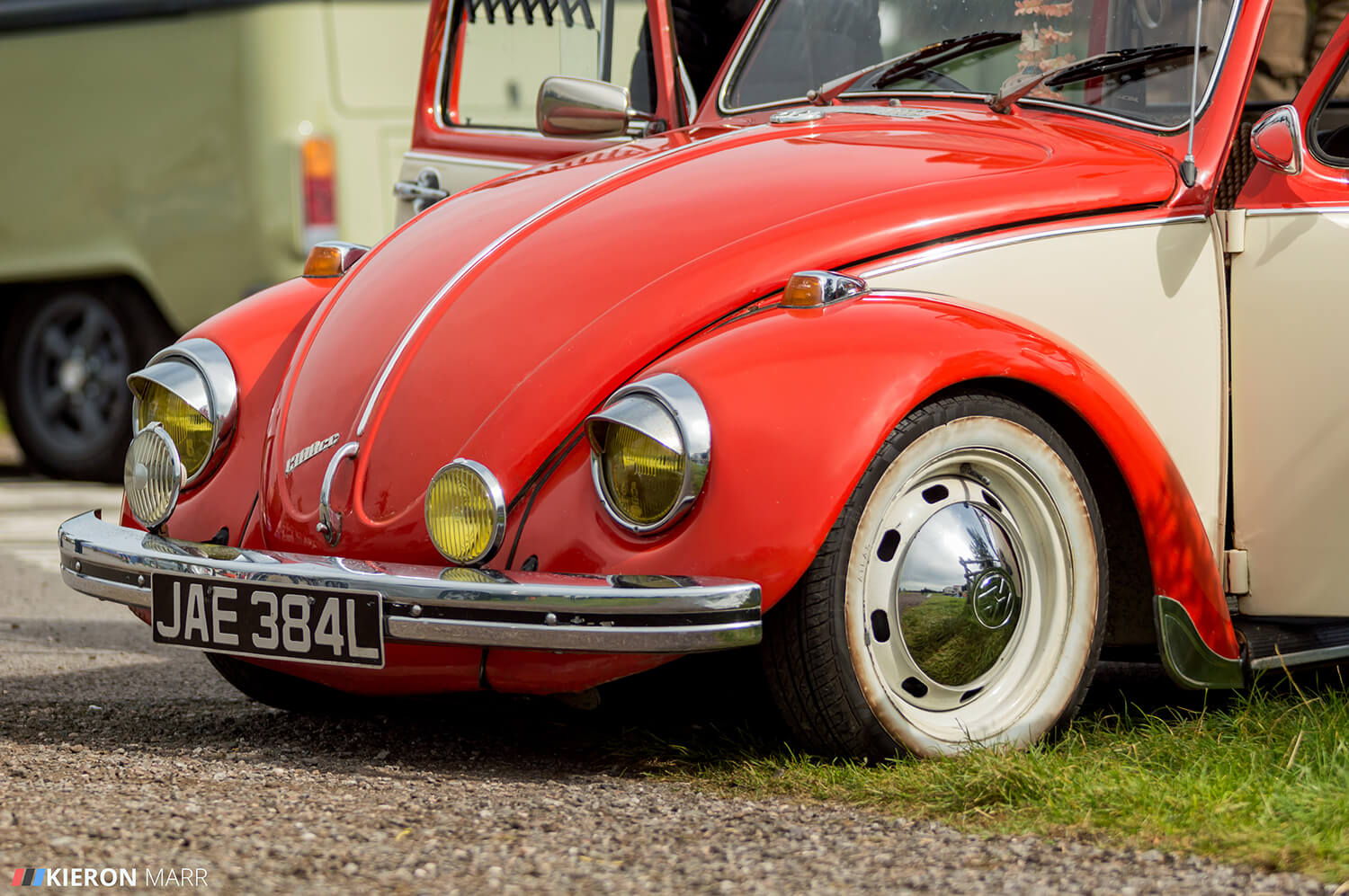 Volkswagen Beetle - Red/Cream